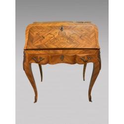 Bureau à pente style Louis XV bois de rose