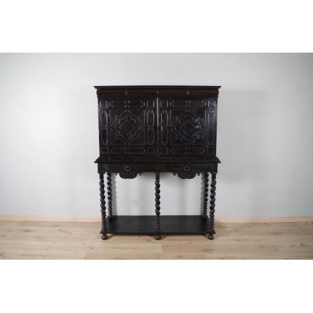 Cabinet en bois noirci époque XVIIe siècle